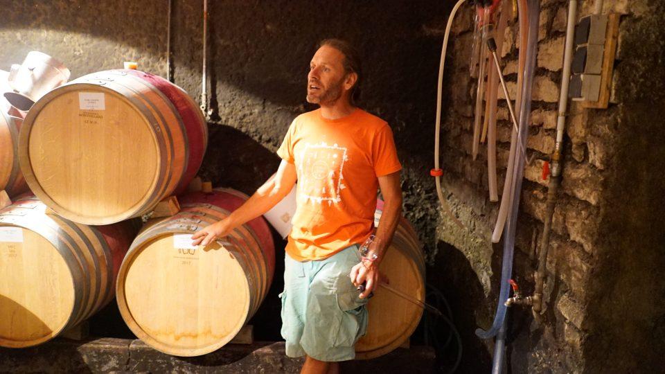 Arnaud i sin kælder i Corgoloin